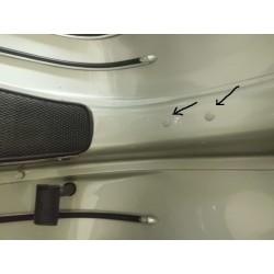 Vespa in genere gommini foro telaio porta ruota scorta